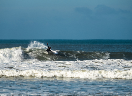 Surfers-at-Croyde-Bay,-North-Devon.jpg